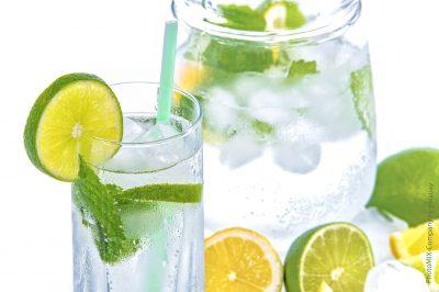 Basisches Wasser und Basenpulver mit Wirkung